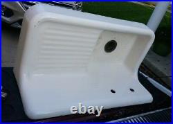 42 Cast Iron White Porcelain 17.5 High Back Farm Sink Standard Sanitary 1928
