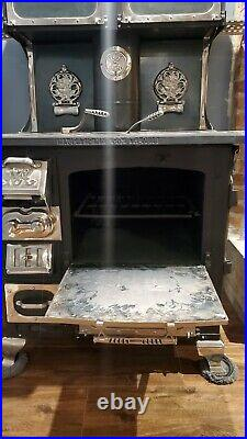 ANTIQUE Great Majestic Wood Burning cook stove cook Top #8045 Cast Iron Chrome