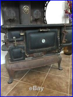 Antique Banquet Full Size Cast Iron Cook Stove
