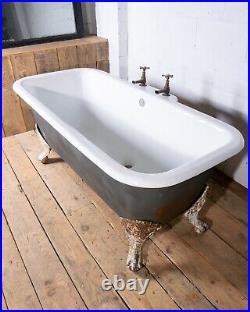 Antique Early 20th Century French Restored Clawfoot Cast Iron Bath Bathtub