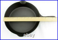 Antique Erie No. 8 Pre-Griswold Cast Iron Skillet Heat Ring 704E Tampers Mk G02