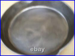 Antique Griswold 10-1/2 Cast Iron Skillet Frying Pan 704-g Small Block Logo #8