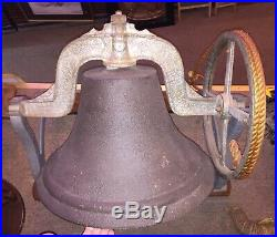 Antique SCHOOL/CHURCH BELL CAST IRON ROPE PULLY LARGE LOUD CLANGE RARE DISPLAY