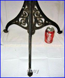 Antique Victorian USA Home Cast Iron Finial Hook Hall Tree Coat Hat Rack Stand