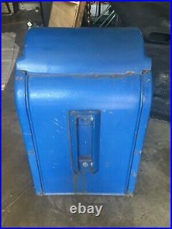 Antique cast iron US Postal mailbox Wehrle Co. Newark Ohio. Excellent shape