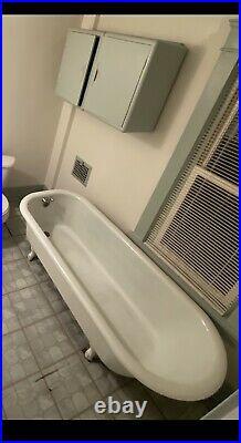 Cast iron tub vintage
