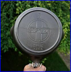 NICE No. 5 GRISWOLD CAST IRON SKILLET WITH SLANT LOGO & HEAT RING