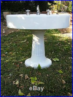 STANDARD MFG Antique Pedestal Sink Victorian CAST IRON Plumbing Porcelain 1900