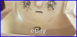 VINTAGE 1950's AM STANDARD White Porcelain/ Cast Iron Wall Mount Sink WithLEGS 22