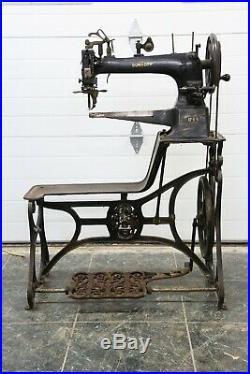 Vintage Antique DURKOPP Model 17-1-1 Leather Treadle Sewing Machine Cast Iron